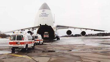 Suomalaiset ambulanssit matkalla itänaapuriin.