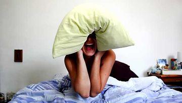 Stressi laukaisee Joannan unettomuuden. Kuvan henkilö ei liity tapaukseen.