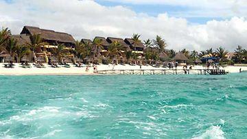 Paratiisihotelli meren rannassa Mauritiuksen tapaan.