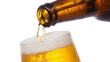 Karppaaja, muistithan, että olut on hiilaripommi.