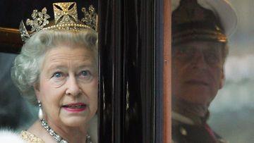 Kunigatar Elisabethilla on kadehdittava korulipas.