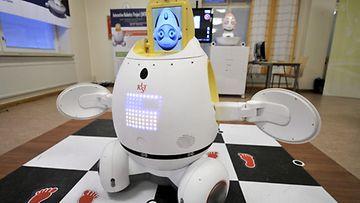 Silbot-robotti osaa myös tanssia ja laulaa.
