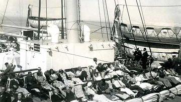 Suomalaiset laivamatkalla Amerikkaan.