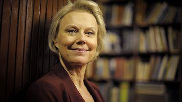 Arja Saijonmaa aikoo tehdä entistä enemmän töitä Suomessa tulevana vuonna.