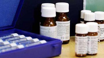 Homeopatia täydentää, ei sulje pois, koululääketiedettä.