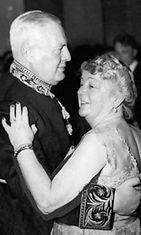 Hollannin lähettiläs Jan Thordor van der Vlugt ja rouva Alli Paasikivi vuonna 1953.