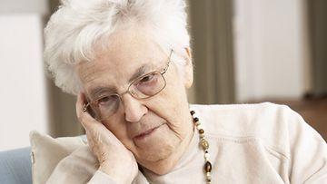 Raija joutui kilpailutilanteeseen toisen isoäidin kanssa. Kuvan henkilö ei liity juttuun.