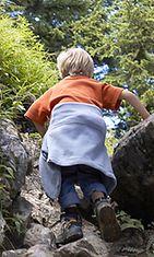 Lapsetkin kannattaa ottaa mukaan luontoretkille.