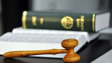 Oikeusprosessi vinoituu asianaja Zacharias Sundströmin mukaan usein jo esitutkintavaiheessa, jonka hän kokee syyllistäväksi.