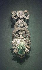 Dresdenin vihreä timantti on maailman suurin laatuan, ja sen sanotaan olevan Hope-timantin sisarkivi.