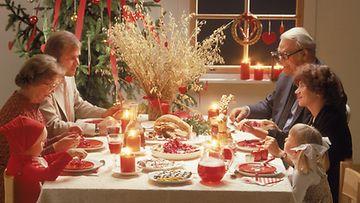 Herkkujakin tärkeämpää ovat läheiset ihmiset joulupöydässä.