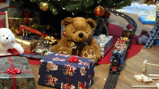 Jokaisen joulukuusen alla ei ole lahjaröykkiöitä.