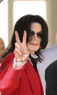 Michael Jackson kuvattuna vuonna 2005.