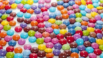 Makeisten väriaineissa on käytössä koko kirjo.