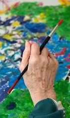 Taiteilijaksi ryhtyminen on normaalia julkkispiireissä.