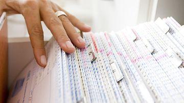 Ihminen rekisteröidään elämänsä aikana useisiin arkistoihin.