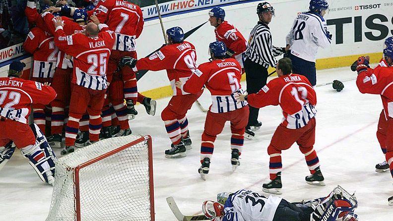 Pasi Nurminen murehtii mestaruuden lipeämistä Tshekille.