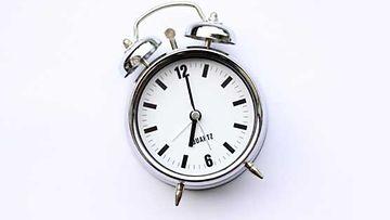 Suomalaiset nukkuvat keskimäärin 7,5 tuntia yössä.
