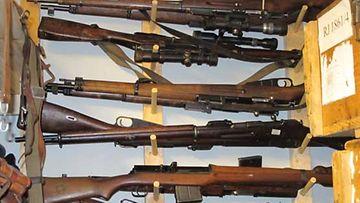 Aseiden keräily on tarkan lainsäädännön alaista toimintaa.