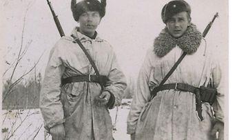 Kaverikuvat olivat tavallisimpia sotilaiden kuvausaiheita.