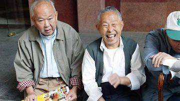 Utelias kiinalainen haluaa tietää sinusta kaiken.
