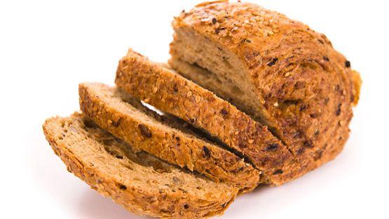 Kuvan leipä ei tiettävästi ole vähähiilihydraattinen.